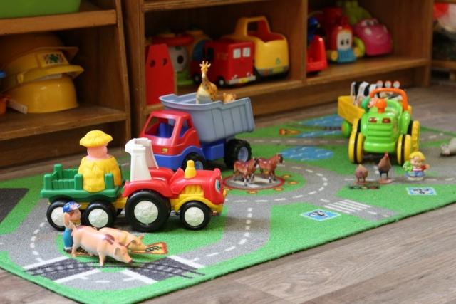 Farm Vehicles & Animals